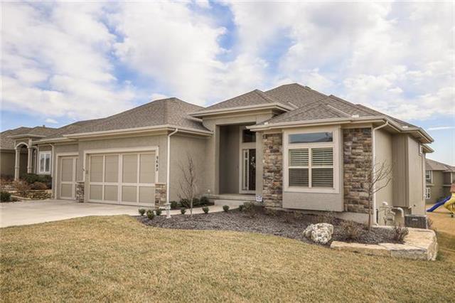 9645 Carbondale Street, Lenexa, KS 66227 (#2100187) :: Char MacCallum Real Estate Group
