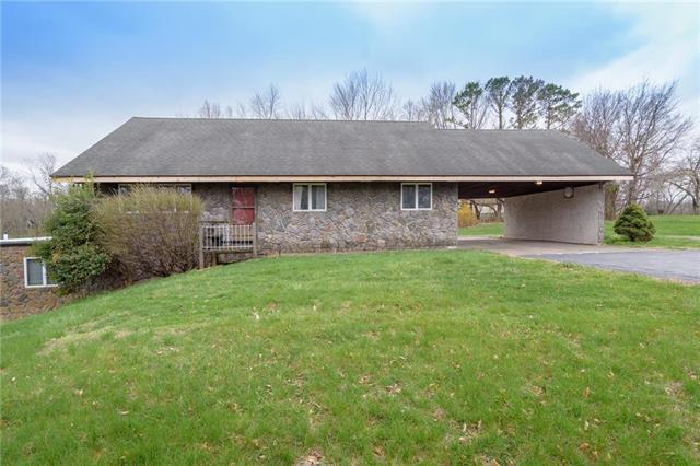 7601 Allman Road, Lenexa, KS 66217 (#2100350) :: Char MacCallum Real Estate Group