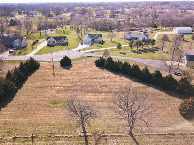 20077 Rosewood Street, Stilwell, KS 66085 (#2100392) :: Char MacCallum Real Estate Group