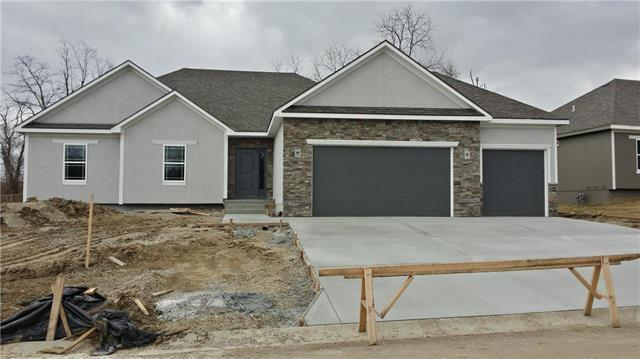 1403 NW Burr Oak Lane, Grain Valley, MO 64029 (#2100409) :: Edie Waters Network
