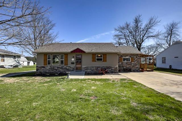 229 W Warren Street, Gardner, KS 66030 (#2100578) :: Char MacCallum Real Estate Group