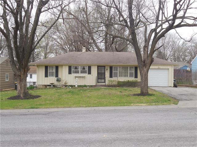 8312 Floyd Street, Overland Park, KS 66212 (#2100595) :: Char MacCallum Real Estate Group
