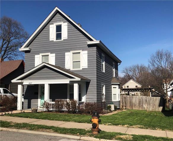 4127 Bell Street, Kansas City, MO 64111 (#2100600) :: The Gunselman Team
