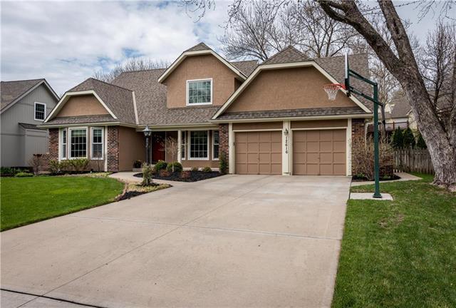 12616 W 76th Terrace, Lenexa, KS 66216 (#2100641) :: NestWork Homes