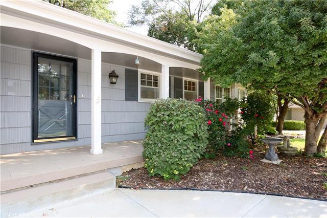 3010 W 83rd Street, Leawood, KS 66206 (#2100719) :: NestWork Homes