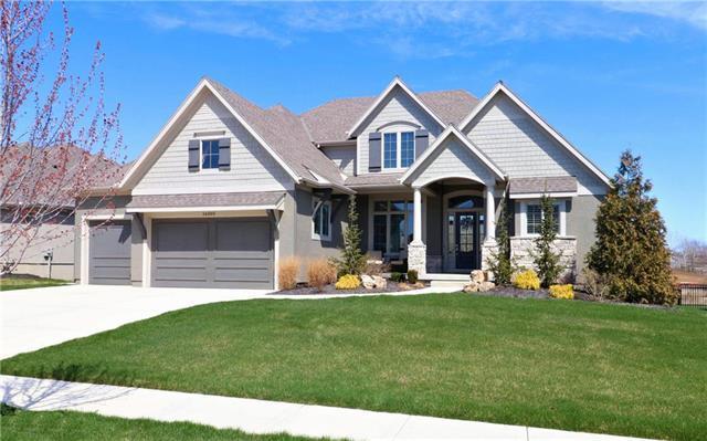 16005 Melrose Street, Overland Park, KS 66221 (#2100728) :: Char MacCallum Real Estate Group