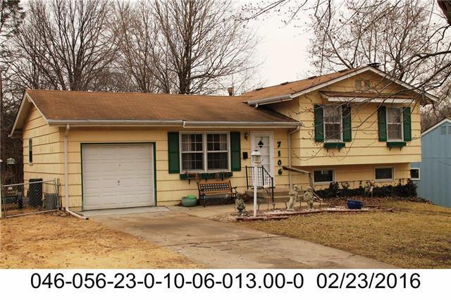 7106 Ballentine Street, Shawnee, KS 66203 (#2100741) :: Char MacCallum Real Estate Group