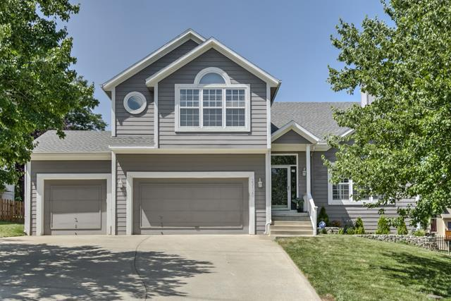 23120 W 46th Street, Shawnee, KS 66226 (#2101820) :: The Tina Team