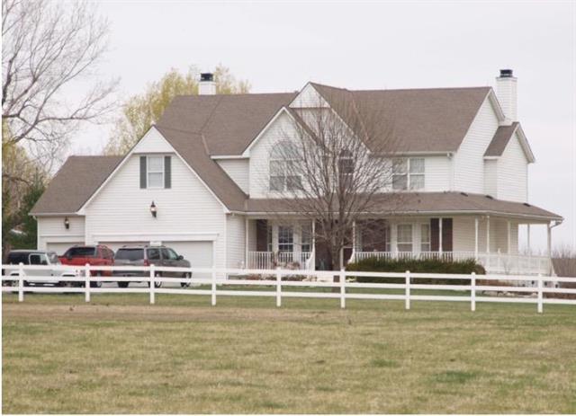 18540 W 167TH Street, Olathe, KS 66062 (#2102026) :: NestWork Homes