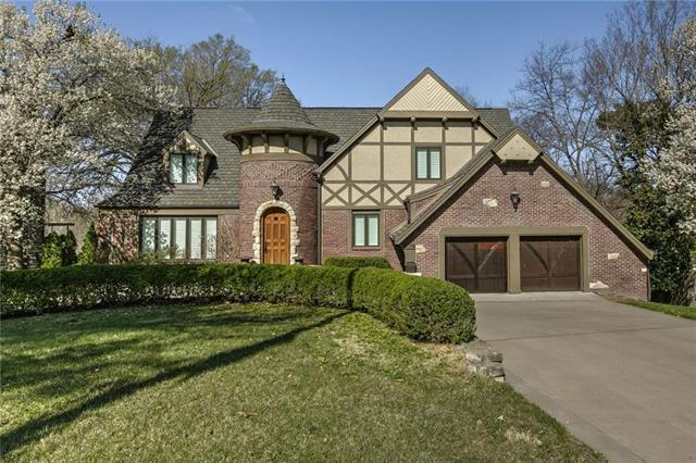 5406 State Line Road, Mission Hills, KS 66208 (#2102030) :: The Shannon Lyon Group - ReeceNichols