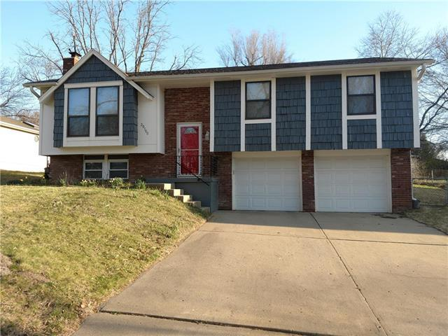 20100 E Millhaven Street, Independence, MO 64056 (#2102036) :: Edie Waters Network