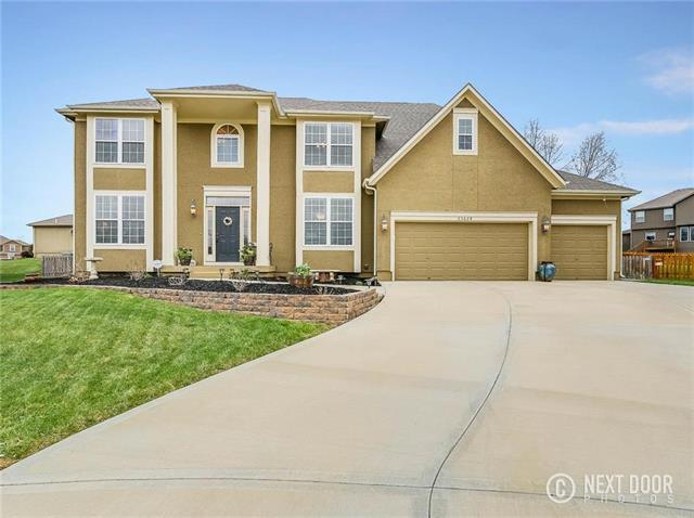 23628 W 52ND Terrace, Shawnee, KS 66226 (#2102076) :: The Tina Team