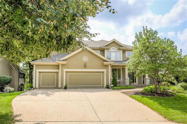 5821 W 147th Place, Overland Park, KS 66223 (#2102178) :: Edie Waters Network