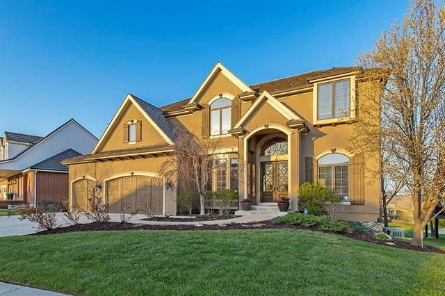 9629 Deer Run Street, Lenexa, KS 66220 (#2102218) :: The Tina Team