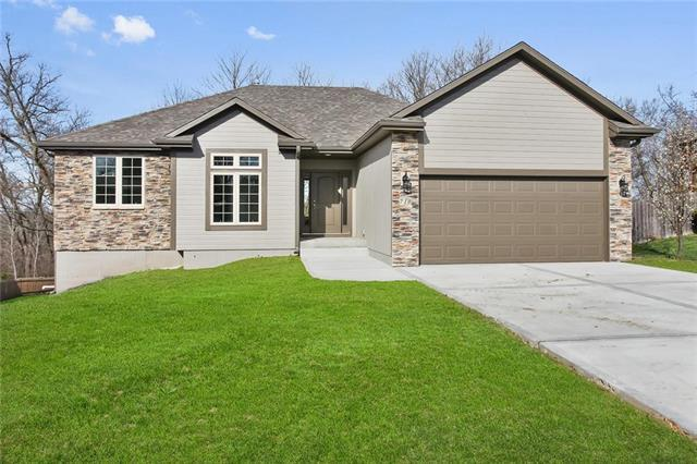 710 Old Stage Rd Road, Pleasant Hill, MO 64080 (#2102246) :: The Shannon Lyon Group - ReeceNichols