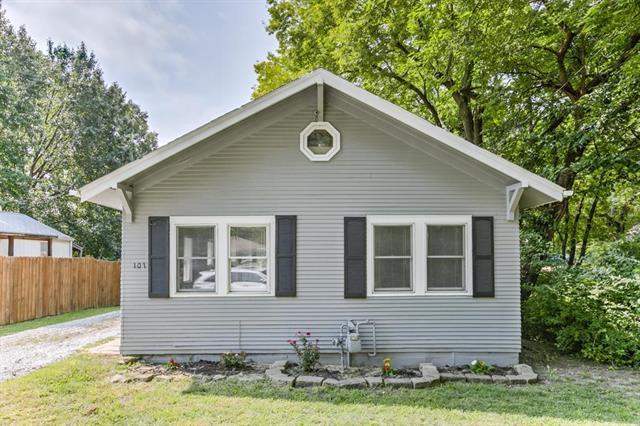 101 E Prairie Street, Olathe, KS 66061 (#2102282) :: The Shannon Lyon Group - ReeceNichols