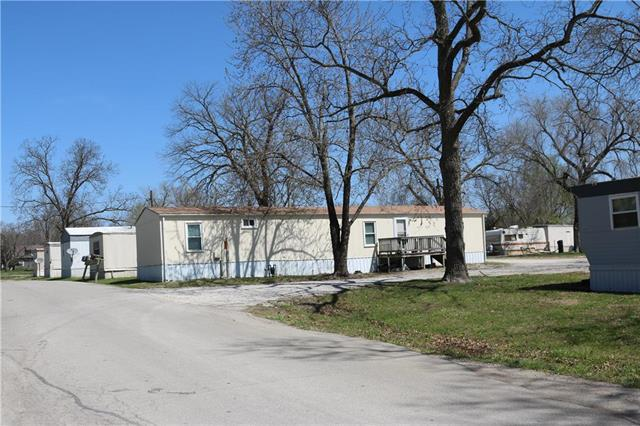627 N Broadway Street, Lacygne, KS 66040 (#2102298) :: The Gunselman Team