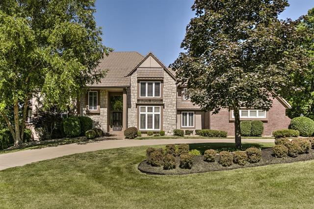 13401 NW Timber Ridge Drive, Parkville, MO 64152 (#2102609) :: Edie Waters Network