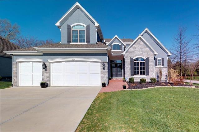 16174 Overbrook Lane, Stilwell, KS 66085 (#2102676) :: NestWork Homes