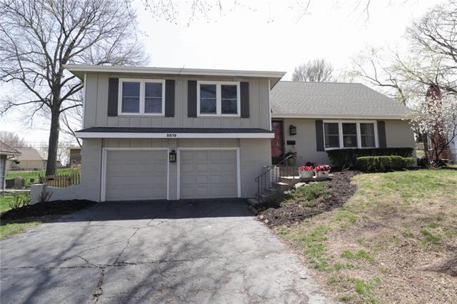 5619 W 92 Terrace, Overland Park, KS 66207 (#2102685) :: NestWork Homes