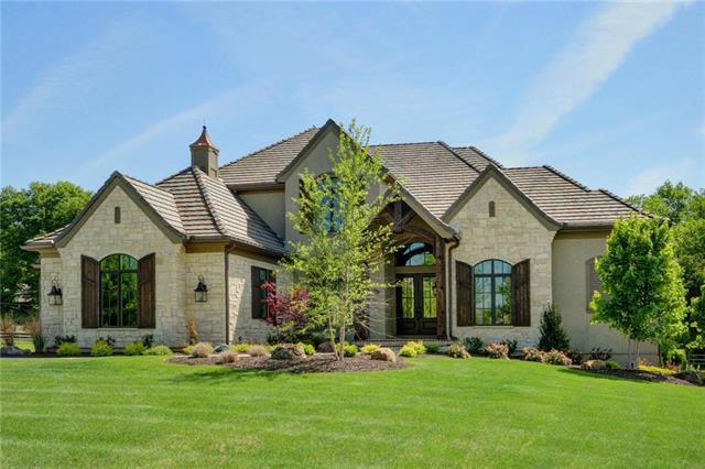 10343 Mohawk Road, Leawood, KS 66207 (#2102759) :: NestWork Homes