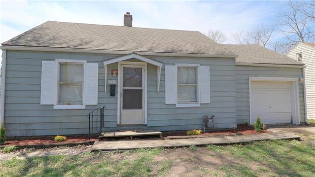 733 S Chestnut Street, Olathe, KS 66061 (#2103005) :: Kedish Realty Group at Keller Williams Realty
