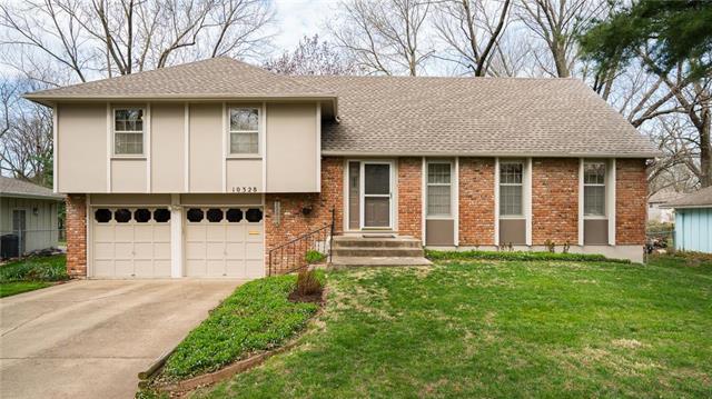 10328 Horton Street, Overland Park, KS 66207 (#2103065) :: NestWork Homes