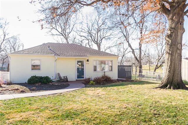 3719 Harmony Drive, Kansas City, KS 66106 (#2103162) :: NestWork Homes