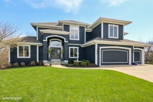 10606 163rd Terrace, Overland Park, KS 66221 (#2103185) :: NestWork Homes