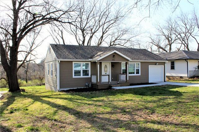2970 N 58th Street, Kansas City, KS 66104 (#2103201) :: NestWork Homes