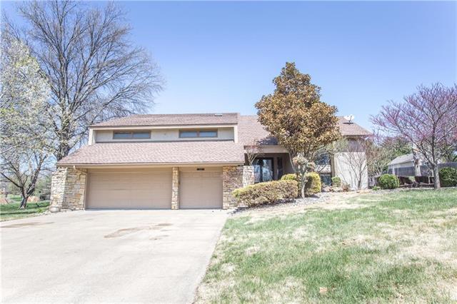 11660 W 156 Terrace, Overland Park, KS 66221 (#2103240) :: NestWork Homes