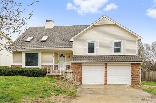 11639 Lucille Street, Overland Park, KS 66210 (#2103241) :: NestWork Homes