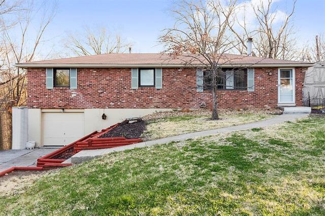 4904 NW 61st Terrace, Kansas City, MO 64151 (#2103259) :: NestWork Homes
