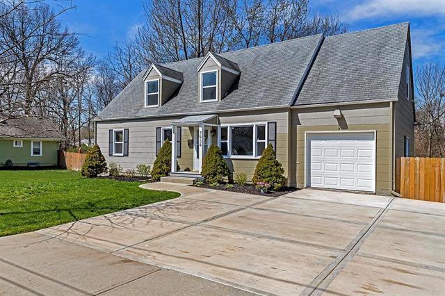 7934 Robinson Street, Overland Park, KS 66204 (#2103266) :: NestWork Homes