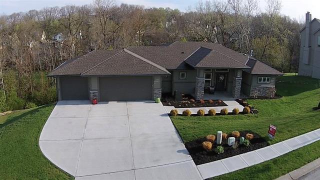 5120 NW 58th Street, Kansas City, MO 64151 (#2103408) :: The Shannon Lyon Group - ReeceNichols