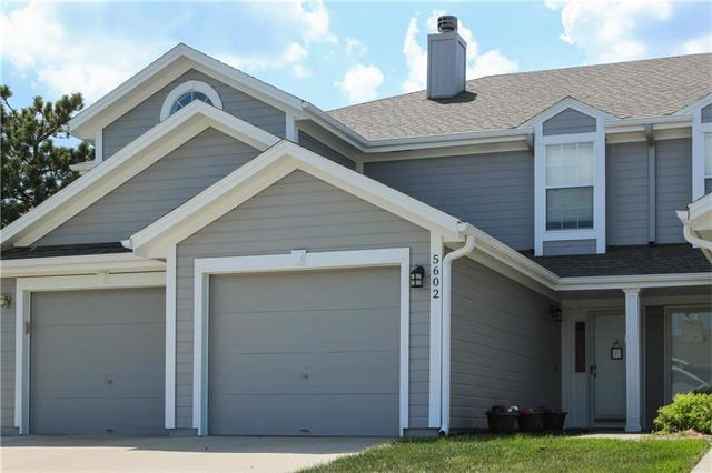 5602 NW Moonlight Meadow Court, Lee's Summit, MO 64064 (#2103547) :: The Gunselman Team