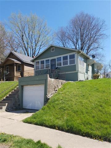 6235 E 12th Street, Kansas City, MO 64126 (#2103837) :: Char MacCallum Real Estate Group