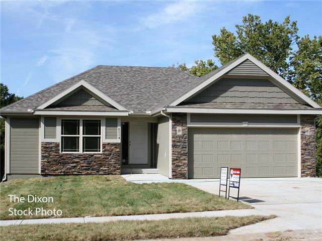 5023 N White Avenue, Kansas City, MO 64119 (#2103845) :: Edie Waters Network