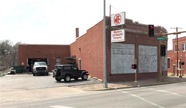 1302 Frederick Avenue, St Joseph, MO 64501 (#2104087) :: Char MacCallum Real Estate Group