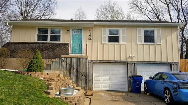 212 SE Westminister Road, Blue Springs, MO 64014 (#2104239) :: Char MacCallum Real Estate Group