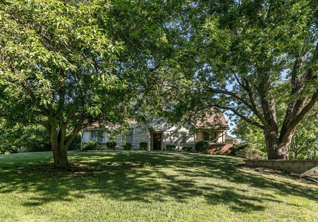 6924 Long Avenue, Shawnee, KS 66216 (#2104336) :: Kedish Realty Group at Keller Williams Realty