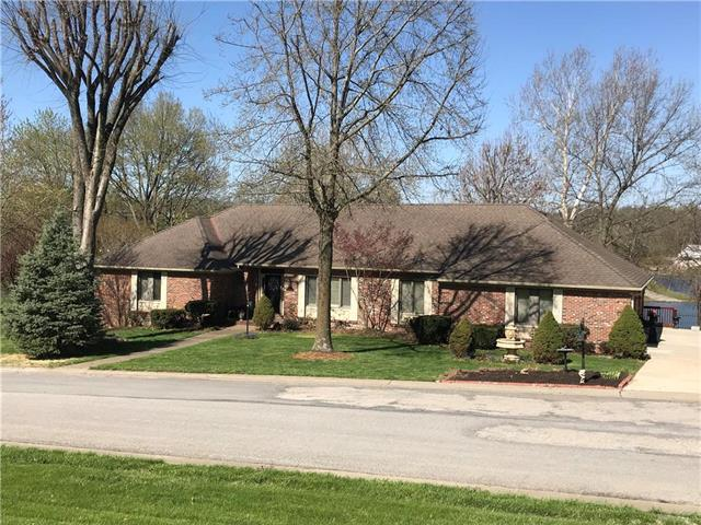 18 Lakeview Drive, Lexington, MO 64067 (#2104363) :: The Shannon Lyon Group - ReeceNichols
