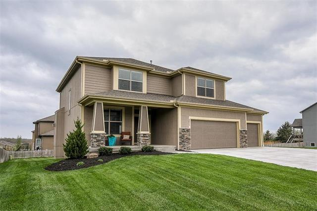 2573 W Dartmouth Street, Olathe, KS 66061 (#2104528) :: Char MacCallum Real Estate Group