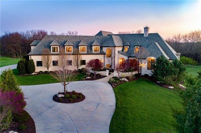 4377 W 186th Street, Stilwell, KS 66085 (#2104709) :: No Borders Real Estate