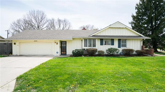 4529 Blue Ridge Boulevard, Kansas City, MO 64133 (#2104713) :: Team Real Estate