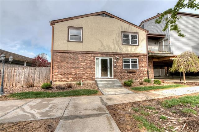 10252 W 96th Street, Overland Park, KS 66212 (#2104999) :: Char MacCallum Real Estate Group