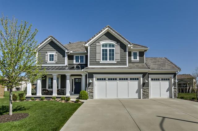 10622 N Dalton Avenue, Kansas City, MO 64154 (#2105110) :: Char MacCallum Real Estate Group