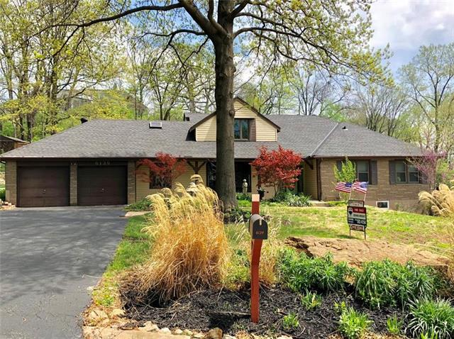6139 NW Wales Road, Kansas City, MO 64151 (#2105115) :: Edie Waters Network