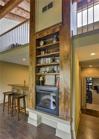 1111 W 46 Street #32, Kansas City, MO 64112 (#2105171) :: Char MacCallum Real Estate Group