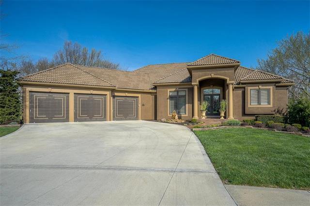 10132 N Bradford Avenue, Kansas City, MO 64154 (#2105379) :: Char MacCallum Real Estate Group